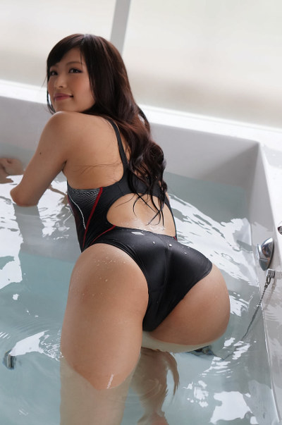 Hot japanese slut in tight swimsuit from behind